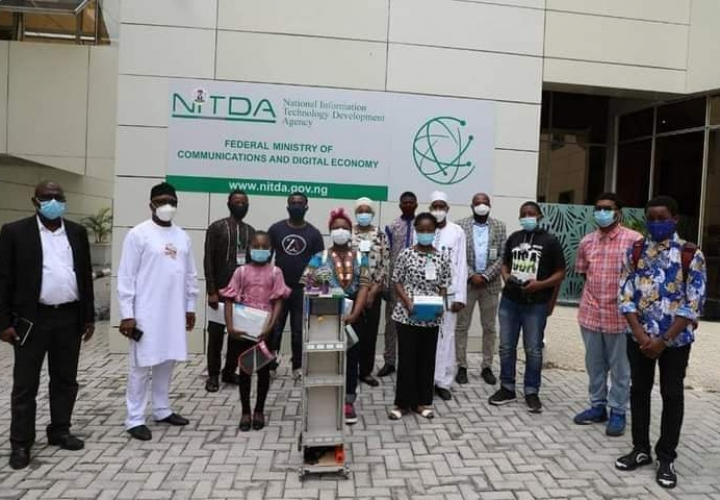 Covid-19: Nigerian Students  Invent Mobile Robot